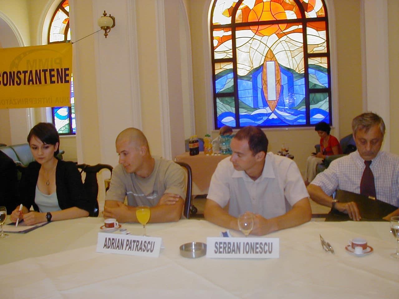 Cei doi tineri câştigători: Şerban Ionescu şi Adrian Pătraşcu.